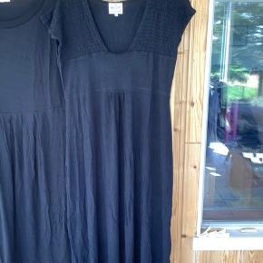 Smuk blød Masai kjole i sort brugt nogle gange men ikkeforvasket eller slidt da den er brugt under 10 gange