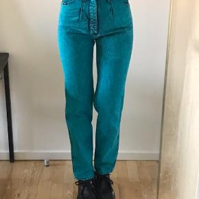 Vildt flotte wrangler jeans i flot farve! Mp er 500