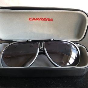 Super fede og smarte solbriller. Er kom nye kun brugt meget få gange. Ny pris 1800kr. Byd er velkomne