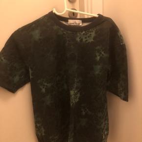 Super fin t-shirt, er dog vokset ud af den
