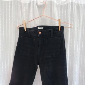 Sælger mine fede wrangler jeans. Ingen brugsspor. Mega dejligt denim. Lidt stretch og så sidder de pisse godt.
