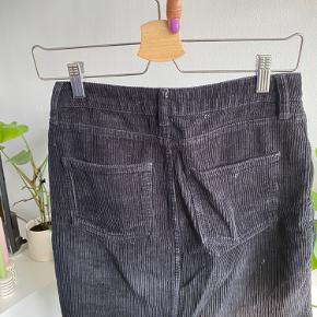 Velour nederdel fra BDG.   #trendsalesfund