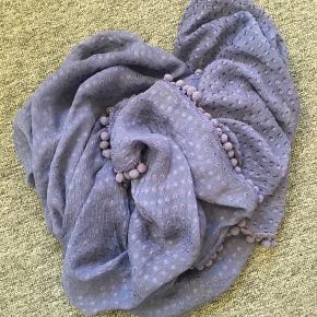 Mørkeblåt tørklæde fra Stylesnob