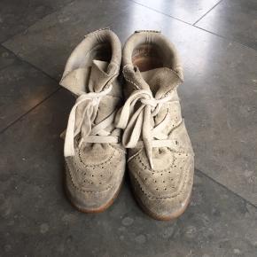 Fine Isabel Marrant sko. Ingen tegn på slid på selve skoen udover at den er lidt beskidt. Sendes eller afhentes - køber betaler fragt. 😃