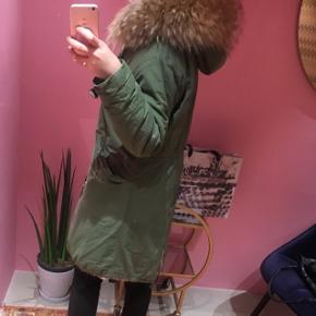 Nypris 5000Mærke mr & mrs - de laver jakker helt op til 40.000  Varm vinterjakke 😊🌸