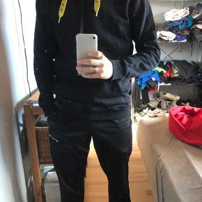 Axel Arigato hættetrøje