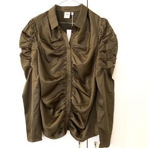 Super fin skjorte/ bluse fra Ichi 🌾 Aldrig brugt og har stadig prismærke i