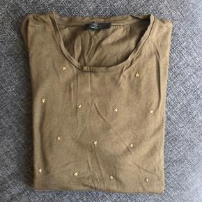 Zara men studded T-shirt, fin stand, fast pris