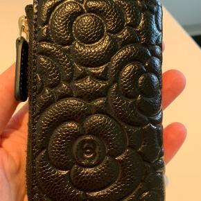 Ny Chanel nøgle pung ny pris 4300kr købt i uge 7 2020 i Paris alt original medfølger ingen skam bud tak ved ts handel betaler køber gebyret
