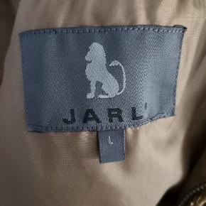 Fed vintage jakke i brun. Den er i super fin stand 😊😊