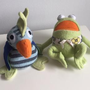 Frække Kaj & skønne Andrea små beanbags. Kaj ca. 15 cm, Andrea ca. 18 cm.   Har været købt for sjov og har kun stået til pynt.