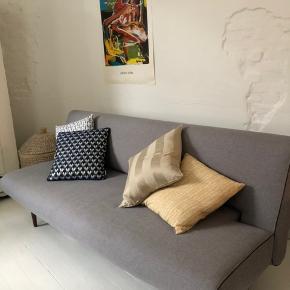 Vi sælger vores sofa/sovesofa, da vi flytter i mindre lejlighed
