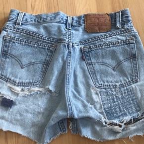 Original Levi's shorts - model 501 - størrelse 29 - slidte og med huller