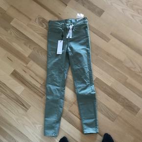 Super fede bukser i pastel grøn - aldrig brugt