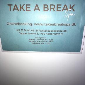 """""""Take A Break SPA"""" gavekort på 500 kr. Gavekortet kan bruges på valgfri behandling (København V).   OBS: Istedet for at sende det med posten, kan jeg videregive en kode, så man slipper for fragt omkostninger og kan bruge det med det samme 💆🏼♀️💅🏻    Byd gerne kan enten afhentes i Århus C eller sendes på købers regning📮✉️"""