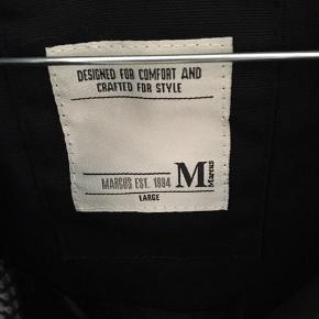 Sort Malaki jakke Str.L Nypris 699 kr Sender med DAO mod købers betaling