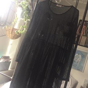 Flot kjole - god over en top og jeans.  Str m.   #30dayssellout
