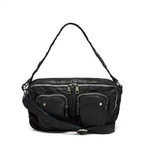 """Sælger min Nunoo taske model: Alimakka washed black. Brugt 1 gang. Byd  Vil også bytte med modellen:Mille i """"washed Black"""" eller """"Grå eller sort ruskind"""""""