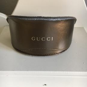 Sælger de her Gucci solbriller BYD