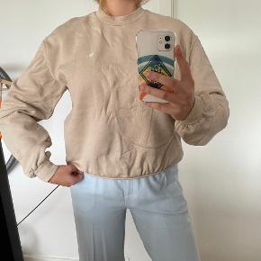 Planet Nusa sweater
