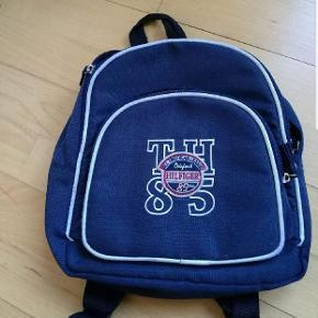 Lille rygsæk til tur taske i børnehaven måske.Hentes i Brøndby Strand