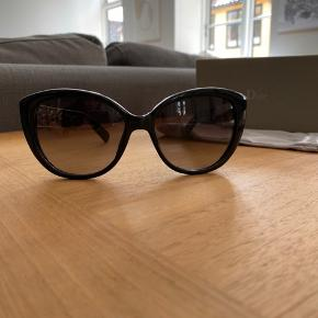 Beautiful I scratched authentic Dior Sunglasses