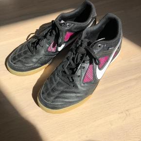 Nike Gato x Supreme  Str. 41  Kan sendes