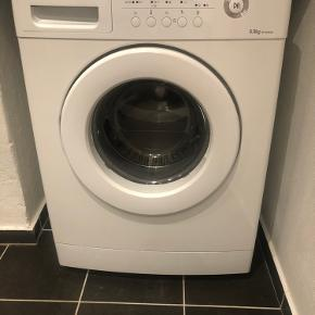 Samsung vaskemaskine.  Model er wf7604naw/xee Alderen ved jeg ikke den fungerer fint   Kom med et bud