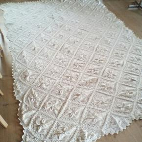 Sengetæppe i bomuld strik (hjemmestrikket) ca mål 185 x 225 cm