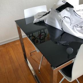 Spisebord med 6 stole sælges