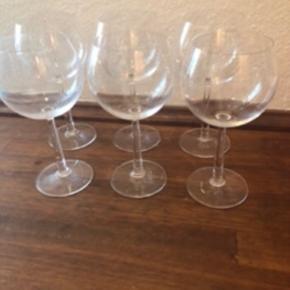 Der er 6 glas og prisen er samlet for alle 6 ved afhentning.