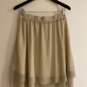 Lille fin nederdel fra Pieces ☺️