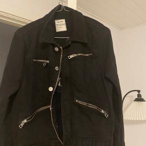 Super fin Zadig biker jakke - ikke særlig brug og fremstår som ny - Str S