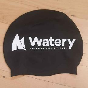 Watery badehætte i sort silikone. Onesize.   Aldrig brugt. Fra watery.dk