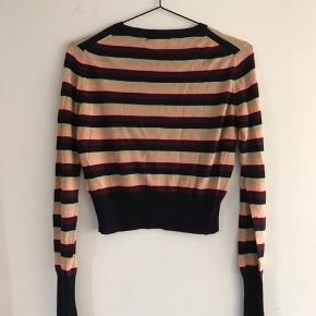 Fin stribet cropped knitted trøje :)
