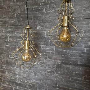 ❗NEDSAT❗  Messing lamper i et unikt design👌😊  Pris er For 2 stk.  Frandsen RUBIN  Normalpris pr. stk. 1300 kr