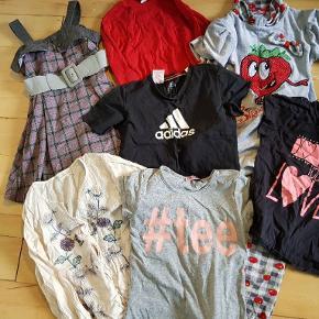 Næsten nyt og brugt.  Generelt om mine tøjpakker: Tøjet er i fin stand, hvis ikke andet er beskrevet - der kan dog være skrevet navn i, oftest på mærket, eller mærket kan være taget ud. Enkelte tøjstykker kan måske have lidt pletter eller fnuller, men det vil være sjældent.