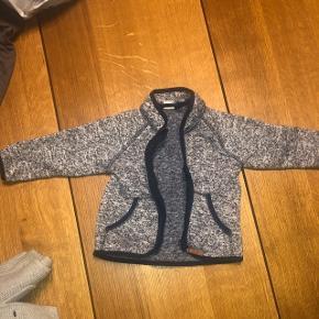 Super fin uld jakke, fra H&M i en str 80. Den er i en utrolig god stand og kun brugt 1 gang.