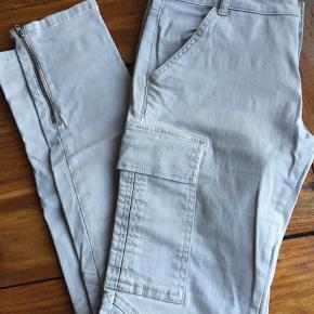 Sandfarvet bukser fra Day Birger et Mikkelsen  Str: W30  97% cotton 3% elastane  Afhentes Kbh Sv eller sender med DAO.