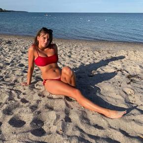 Bikini fra Bright Swimwear 🌹 Brugt den ene gang på stranden 🌊