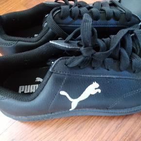 Flotte Puma sko str 36 Brugt sparsomt
