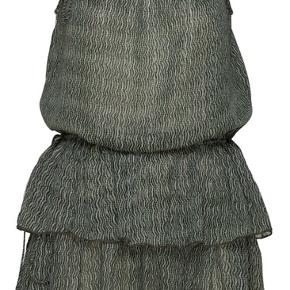 Flot kjole fra Lollys Laundry. Kun brugt 1 gang. Skriv for mere info eller flere billeder😊  #30dayssellout