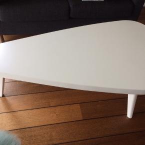 Højde 45, længde 120, bredde 75 cm