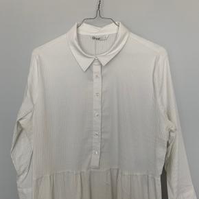 Rigtig sød kjole, aldrig brugt :-)