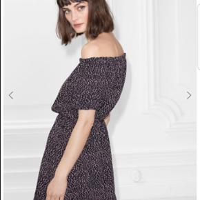 &other stories off shoulder kjole nypris 700 kr brugt i nogle timer derfor stadig som ny!