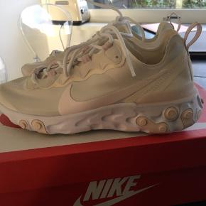 Helt nye Nike React Element 55 sneakers sælges🌸 Aldrig brugt!🌟 Str. 38🎀