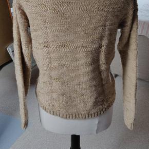 Så smuk sweater fra Rosemunde. Kun brugt en gang.