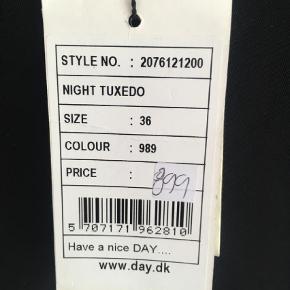Varetype: Knickers Farve: SORT Oprindelig købspris: 899 kr. Prisen angivet er inklusiv forsendelse.