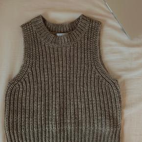 Frankment vest