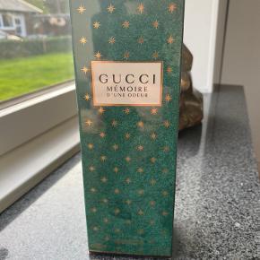 Gucci Mémoire D'une Odeur showergel. 200 ml. Aldrig brugt og stadig med folie om æsken. Nypris 310 kr.